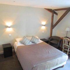 Отель Hôtel Exelmans 2* Улучшенный номер с двуспальной кроватью