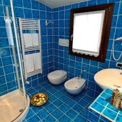 Отель Palazzo Odoni Италия, Венеция - отзывы, цены и фото номеров - забронировать отель Palazzo Odoni онлайн ванная фото 2
