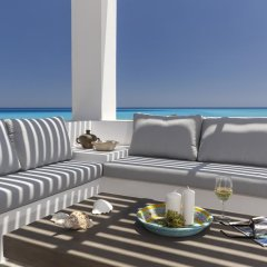 Отель Belvedere Beachfront Villa балкон