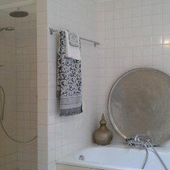 Отель De Hoedenmaker Нидерланды, Амстердам - отзывы, цены и фото номеров - забронировать отель De Hoedenmaker онлайн ванная фото 2