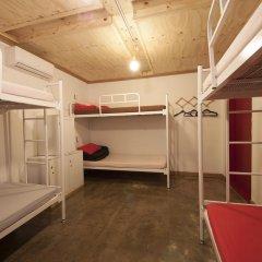 Lazy Fox Hostel Кровать в мужском общем номере с двухъярусной кроватью фото 4