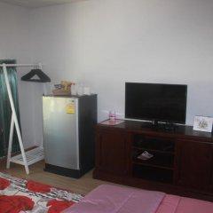 Отель Nong Nuey Rooms Таиланд, Ко Самет - отзывы, цены и фото номеров - забронировать отель Nong Nuey Rooms онлайн удобства в номере фото 2