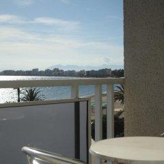 Отель La Carabela Испания, Курорт Росес - отзывы, цены и фото номеров - забронировать отель La Carabela онлайн балкон