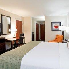 Отель Holiday Inn Columbus-Hilliard 3* Стандартный номер с различными типами кроватей