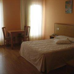 Hotel Reyes de León 2* Улучшенный номер с различными типами кроватей