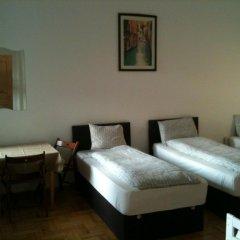 Апартаменты Caterina Private Rooms and Apartments комната для гостей
