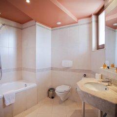 Отель DIT Orpheus Hotel Болгария, Солнечный берег - отзывы, цены и фото номеров - забронировать отель DIT Orpheus Hotel онлайн ванная