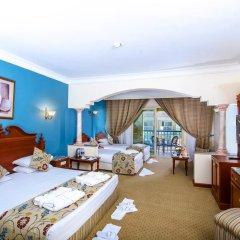 Отель Titanic Palace & Aqua Park Hrg 5* Стандартный семейный номер с различными типами кроватей фото 2