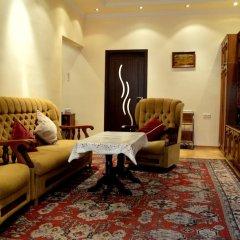 Отель Top Apartments - Yerevan Centre Армения, Ереван - отзывы, цены и фото номеров - забронировать отель Top Apartments - Yerevan Centre онлайн интерьер отеля