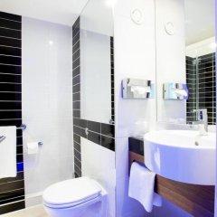 Отель Holiday Inn Express London - ExCeL 3* Стандартный номер с двуспальной кроватью фото 4