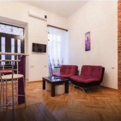 Отель Comfortable Flat in Central Tbilisi комната для гостей фото 4