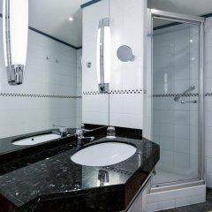 Отель NH Collection Brussels Centre 4* Улучшенный номер с двуспальной кроватью