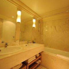 Отель Privilège Hôtel Mermoz Франция, Тулуза - отзывы, цены и фото номеров - забронировать отель Privilège Hôtel Mermoz онлайн ванная фото 2