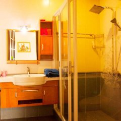 Отель Hoa Mau Don Homestay Номер Делюкс с различными типами кроватей фото 4