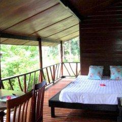 Отель Bangpo Village Бунгало с различными типами кроватей фото 6