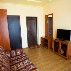Гостевой Дом Юнона Семейный люкс с двуспальной кроватью фото 13