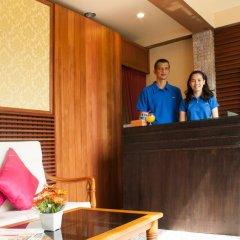 Отель Bangtao Varee Beach Пхукет интерьер отеля