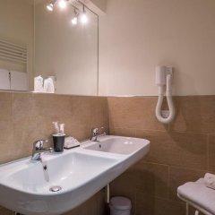 Отель B&B Emozioni Fiorentine 2* Стандартный номер с различными типами кроватей фото 18