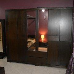 Отель Master Bedroom Al Nokhtha Street сауна