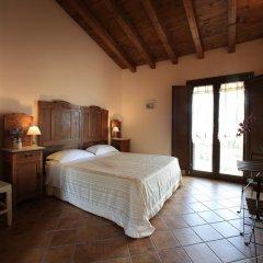 Отель Casale Madeccia Сперлонга сейф в номере