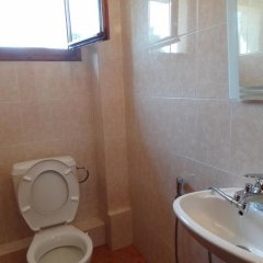 Отель Rumini Dvori Болгария, Варна - отзывы, цены и фото номеров - забронировать отель Rumini Dvori онлайн ванная