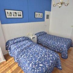 Отель Hostal Valencia Madrid Стандартный номер с различными типами кроватей фото 5