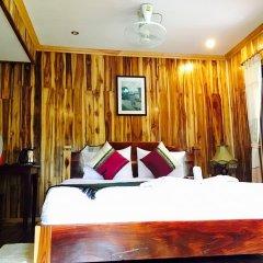 Отель Villa Oasis Luang Prabang 3* Улучшенный номер с двуспальной кроватью фото 6