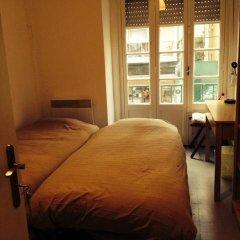 Отель Sunny Lisbon - Guesthouse and Residence 3* Стандартный номер с 2 отдельными кроватями (общая ванная комната) фото 10