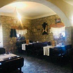 Отель Kolyovite Izvori Hotel Болгария, Генерал-Кантраджиево - отзывы, цены и фото номеров - забронировать отель Kolyovite Izvori Hotel онлайн гостиничный бар
