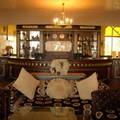 Victoria Palace Beach Hotel гостиничный бар