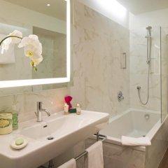 Отель Starhotels Majestic 4* Стандартный номер с двуспальной кроватью фото 8