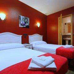 Отель Hostal Regio Номер категории Эконом с различными типами кроватей