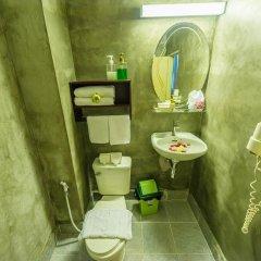 Отель Golden Temple Villa 4* Улучшенный номер с различными типами кроватей фото 3