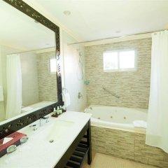 Отель Jewel Paradise Cove Beach Resort & Spa - Curio Collection by Hilton 3* Номер Делюкс с различными типами кроватей фото 3