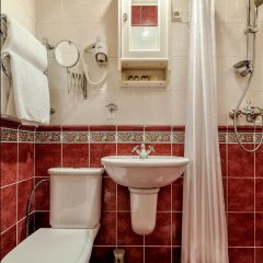 Мини-Отель Серебряный век Улучшенный номер с двуспальной кроватью фото 22