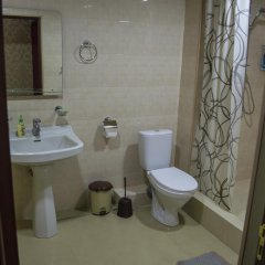 2x2 Cinema-Bar Hotel & Tours Семейный люкс с двуспальной кроватью фото 3