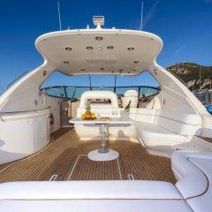 Luxury Yacht Hotel бассейн