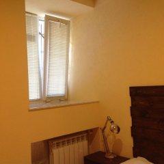 Good Dreams Hostel Стандартный номер с двуспальной кроватью (общая ванная комната) фото 3