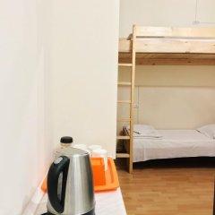 Envoy Hostel Стандартный семейный номер с двуспальной кроватью (общая ванная комната) фото 9