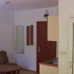 Отель Holiday Apartment Rainbow 2 Болгария, Солнечный берег - отзывы, цены и фото номеров - забронировать отель Holiday Apartment Rainbow 2 онлайн комната для гостей фото 2