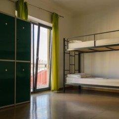 Hans Brinker Hostel Lisbon Кровать в общем номере с двухъярусной кроватью фото 3