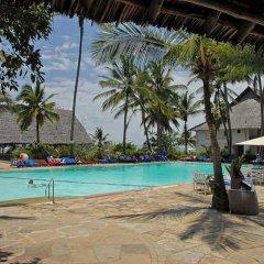 Отель Voyager Beach Resort бассейн фото 3
