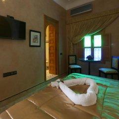Отель Riad Zaki сейф в номере