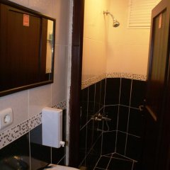 Metropolis Hostel & Guest House Стандартный номер двуспальная кровать (общая ванная комната) фото 9