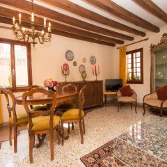 Апартаменты Grimaldi Apartments – Cannaregio, Dorsoduro e Santa Croce интерьер отеля