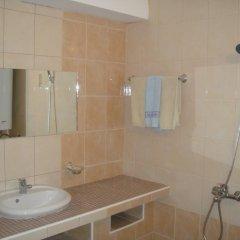 Отель Bonevi Guest House Болгария, Боженци - отзывы, цены и фото номеров - забронировать отель Bonevi Guest House онлайн ванная фото 2