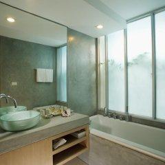 Отель Ramada by Wyndham Phuket Southsea 4* Улучшенный номер двуспальная кровать фото 3