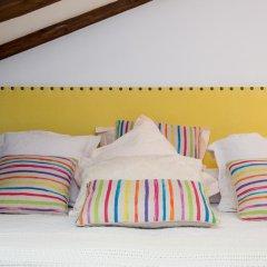 Отель Apartamentos Plaza Santa Ana Мадрид комната для гостей фото 5