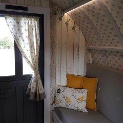 Отель The Little Hide - Grown Up Glamping Стандартный номер с различными типами кроватей фото 25