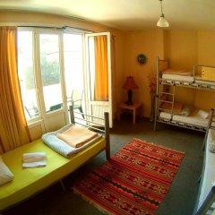 Levanten Hostel Стандартный семейный номер разные типы кроватей (общая ванная комната) фото 2